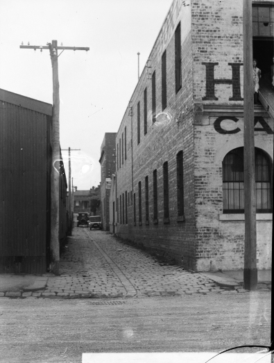 Photo of an early Melbourne street scene